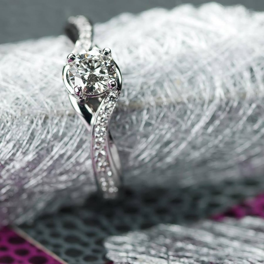 Diamond Engagement Ring, ROSH, Bepsoke, Jewellers